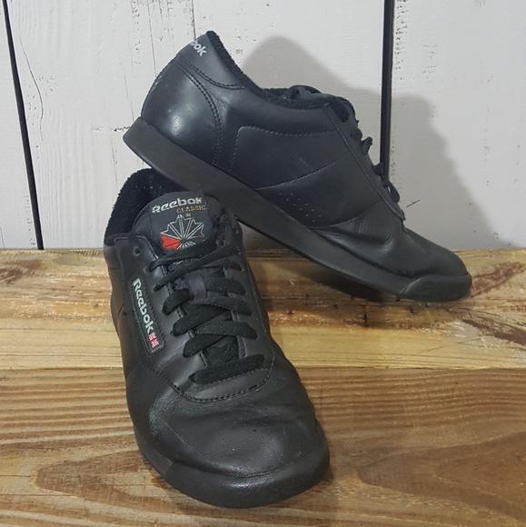 desmayarse Floración acampar  Reebok Shoes | Classic Black Leather Sneakers 8 | Poshmark